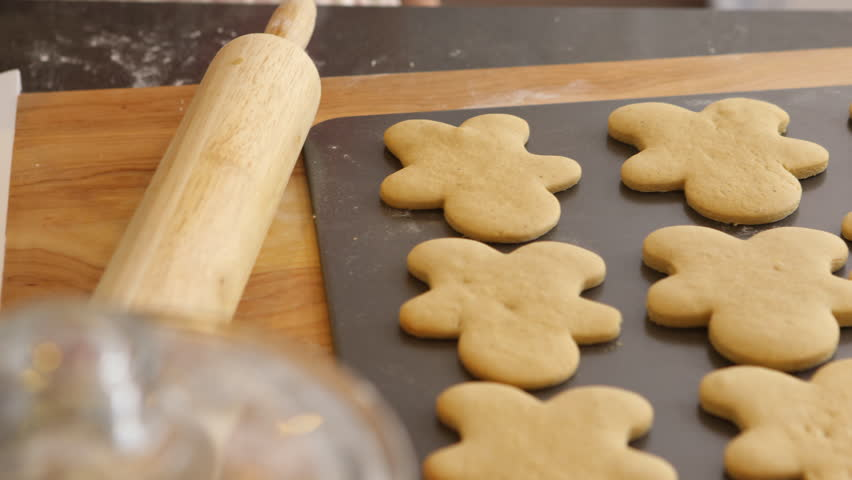 Moving gingerbread cookies to cooling rack
