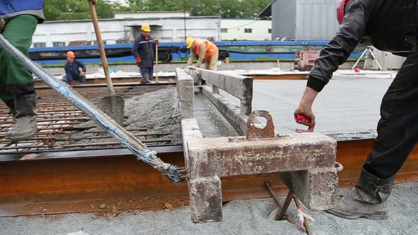 The monolithic pouring of the foundation