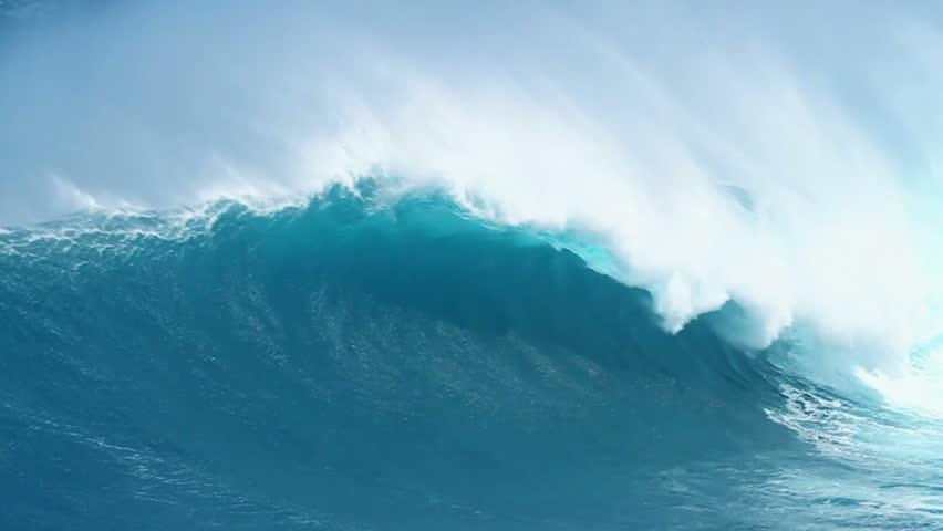 Giant Ocean Wave Breaking in Hawaii