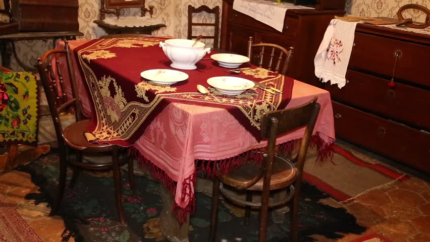 Dining room set definition meaning for Dining room meaning