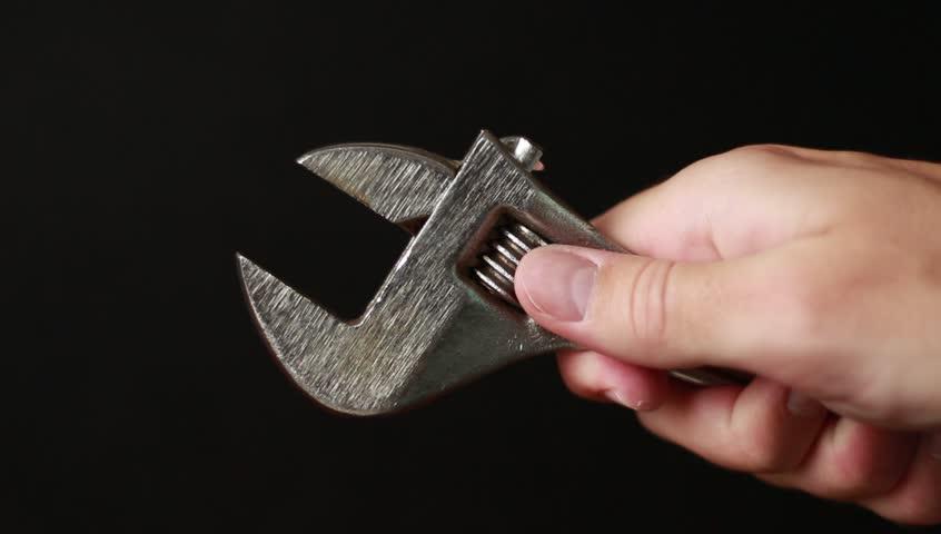 Header of alligator wrench