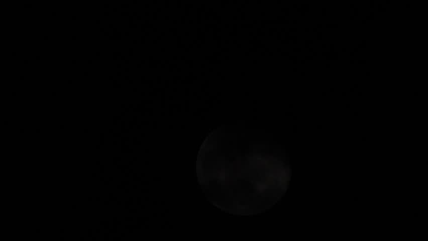 Time Lapse Full Moon at 560 mm