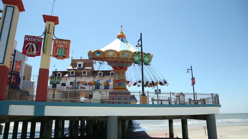 Galveston island historic pleasure pier galveston tx for Galveston fishing pier cam