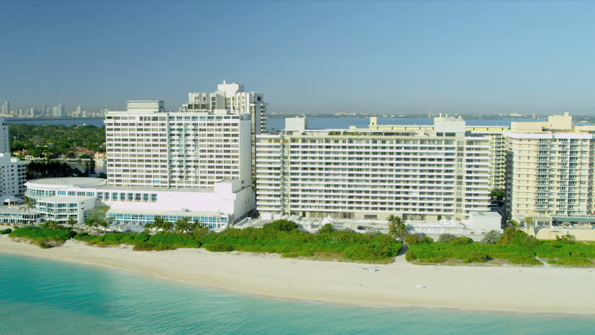 Aerial biscayne bay waterfront view hotels and apartments for Epic apartments miami