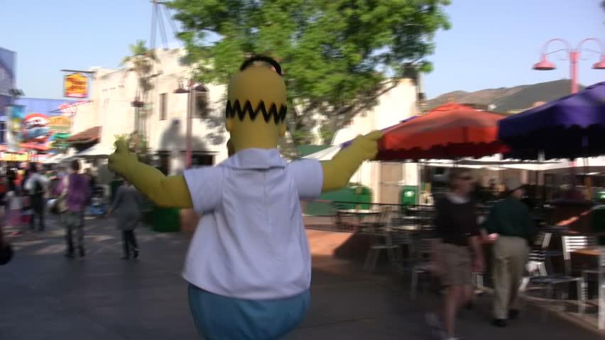 Cartoon Characters Universal Studios : Hollywood ca april homer simpsons at kwik e mart