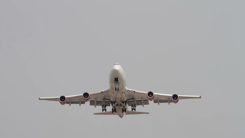 MANCHESTER, LANCASHIRE/ENGLAND - JULY 05: Virgin Atlantic Boeing 747 takes off over landing lights at Manchester Airport on July 05, 2013 in Manchester. Virgin Atlantics maiden flight was in June 1984