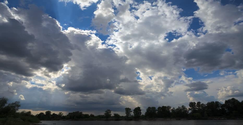 Rain clouds, rain starts. TimeLapse