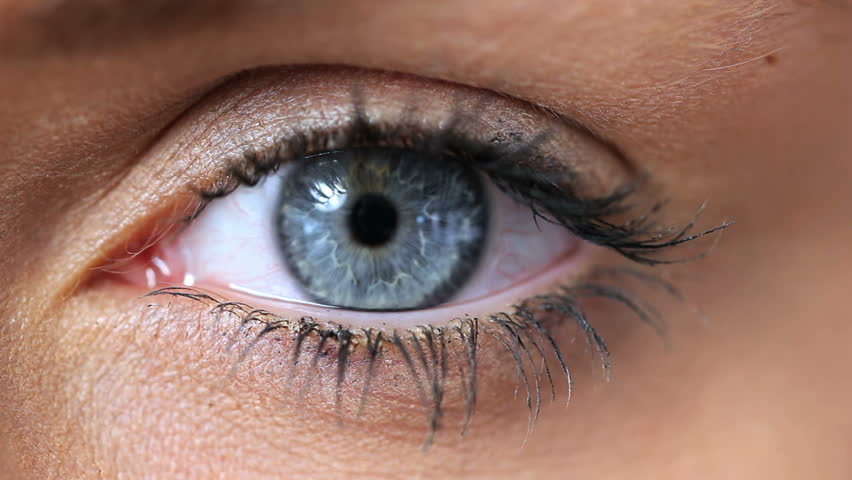 Video of a woman opening her blue eye