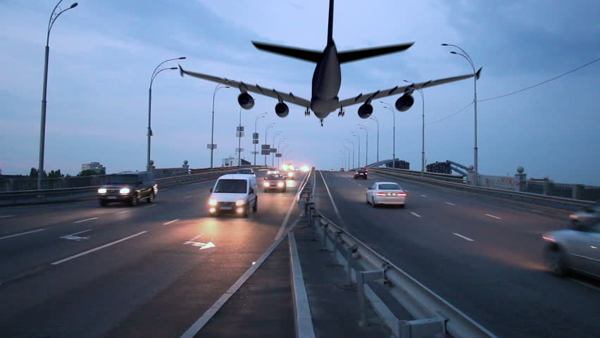 Resultado de imagen para airplane and highway