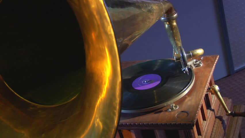 Old Gramophone 4