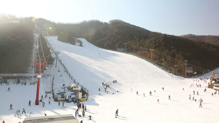 1) Video shot of a ski hill in Korea.