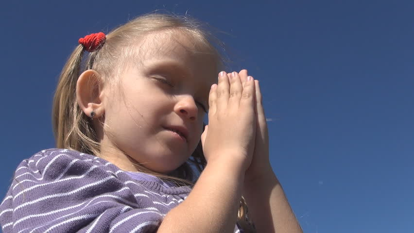 Little Girl Praying , Child With Eyes Closed Saying Prayer ...