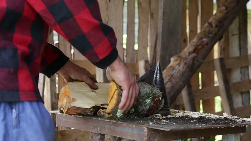 wood breaking machine