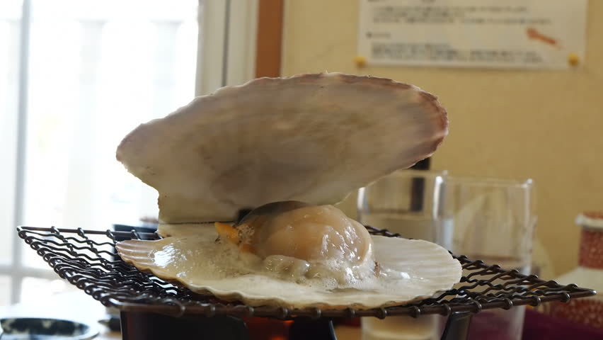 The grilled scallop shell