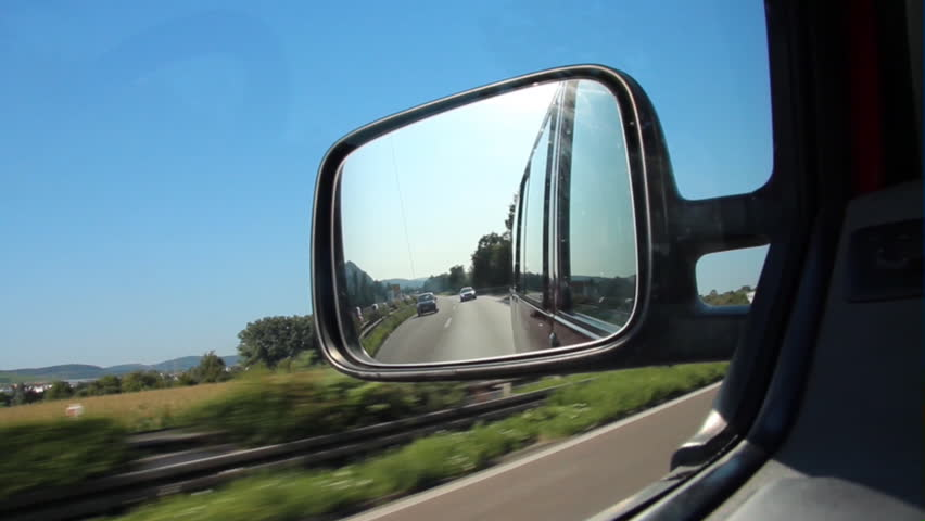 Wing mirror definition meaning for Mirror meaning