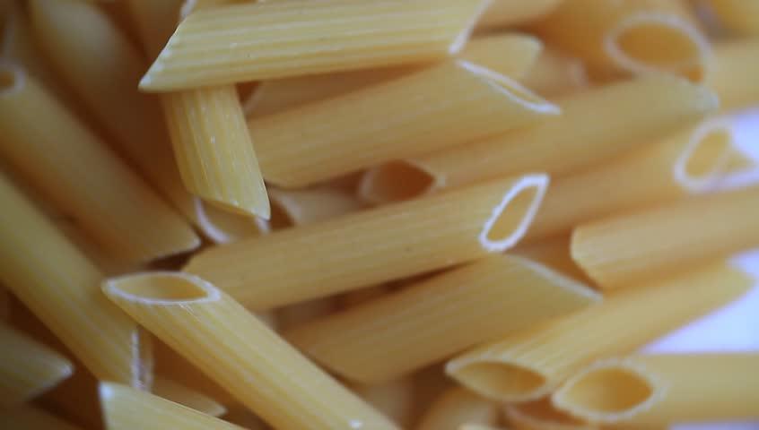 Header of macaroni
