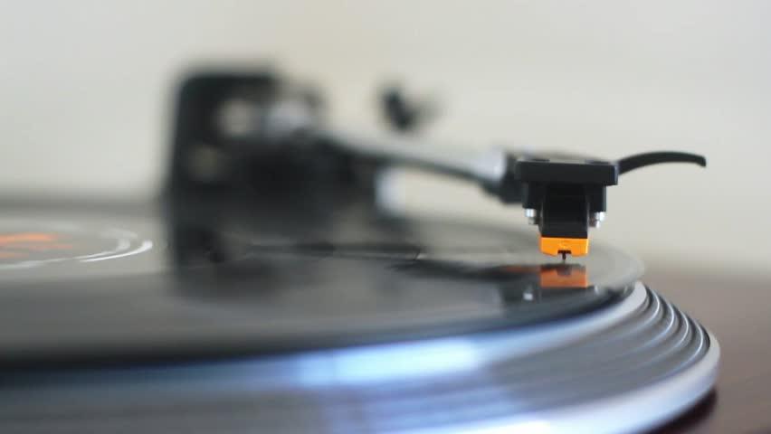 Gramophone stock footage video 1056025 shutterstock - Achat platine vinyle vintage ...