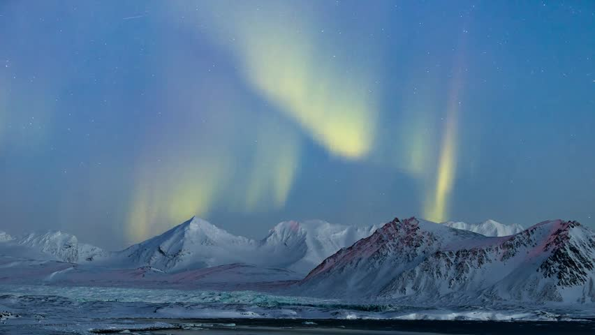 Northern Lights in the Arctic, Spitsbergen - TIMELAPSE #8220073